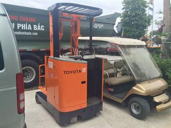 Xe nâng hàng chạy điện Toyota 5FBR15 1,4 tấn